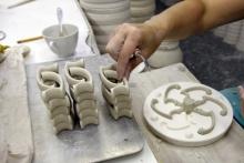 Cast handles