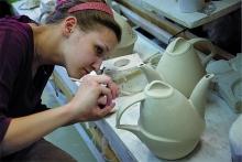 Hand casting. Seams correction
