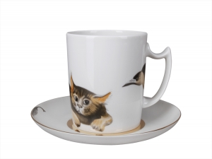 Lomonosov Porcelain Mug and Saucer Snowy Morning Cat Listening 12.8 fl.oz/380 ml