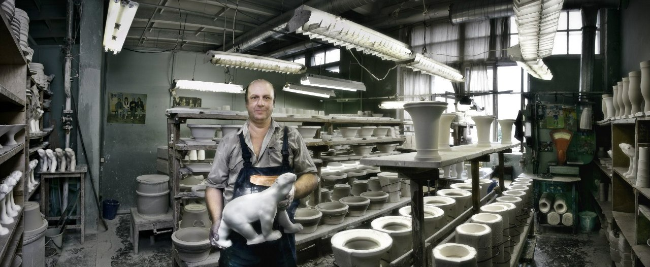 Foundry. The department of large products casting